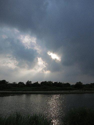 渇水の鬼怒川(宇都宮地区)