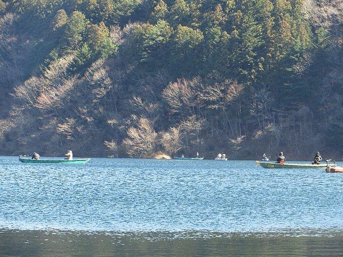 東古屋湖解禁前調査