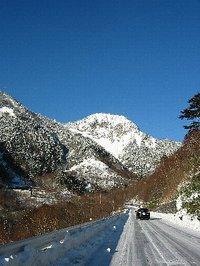 雪の金精峠