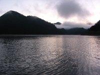 早朝の川俣湖