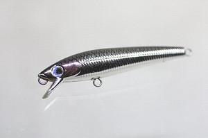 2005年、長男が湯ノ湖でブルックトラウトを釣ったミノー(65mm、ノンブランド、シルバー)