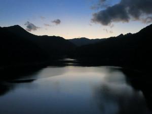 川俣大橋から見た川俣湖