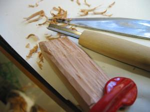 鰹節削り器の改良・改造、木片の加工