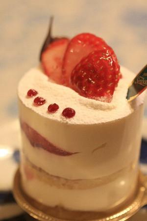 センボンの「苺とちおとめを使ったマスカレポーネ」