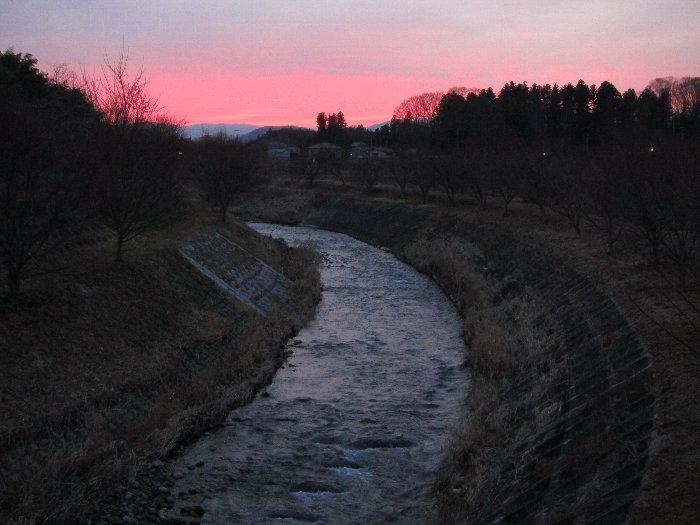 夕焼けの田川