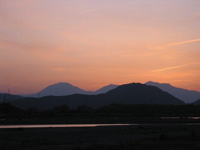 男体山に沈む夕日