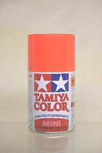 タミヤの缶スプレー「TAMIYA COLOR タミヤカラー」の蛍光レッド(PS-20)