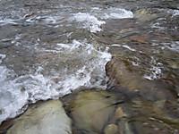 川俣湖上流の鬼怒川渓流