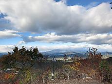 本山頂上からの鶏頂山の眺め