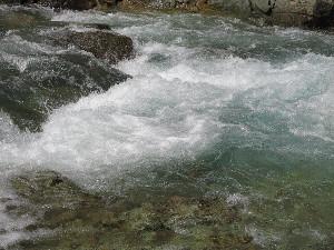 鬼怒川上流の渓流(栃木県日光市川俣地区)