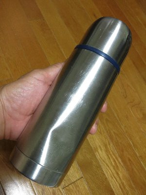 500ccのステンレス製の水筒