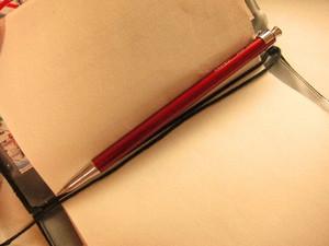 ジェットストリーム化した手帳用ボールペン「パイロットのcouleur(クルール)」と「トラベラーズノート(パスポートサイズ)」